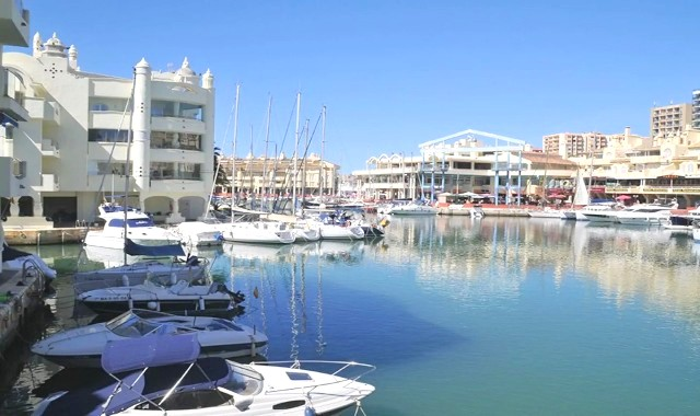 Apartment for sale in Puerto Marina, Benalmadena