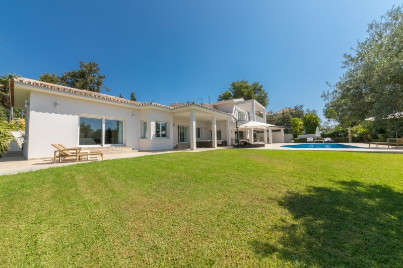 Villa for sale in Marbella El Rosario COSTA DEL SOL